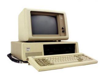 5 dekad PC-tów. IBM wchodzi do gry. Microsoft MS-DOS